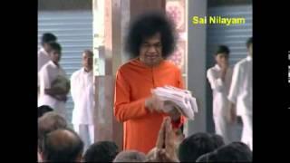 Prasanthi Mandir Bhajan....SAI NAM BOLO SATHYA SAI NAM BOLO...