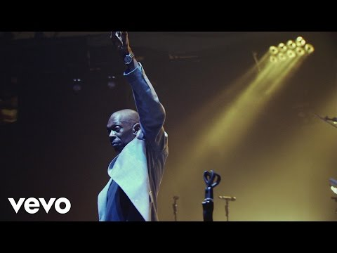Faithless - God Is a DJ (Live At Alexandra Palace 2005)
