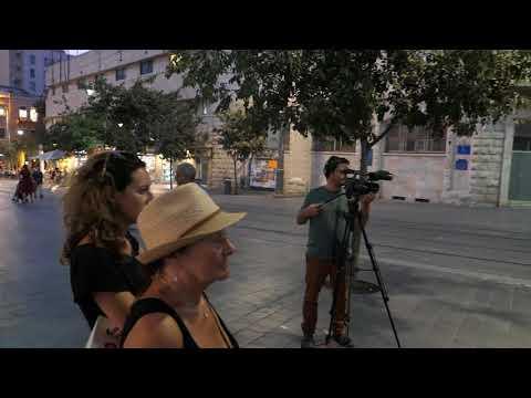 Piano concert on Jaffa Street in Jerusalem - Matanot Ktanot by Rami Kleinstein
