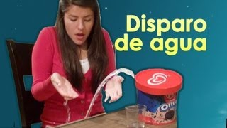 Broma del helado que dispara agua a Lesslie | Video de risa, broma  con globo de agua en el helado