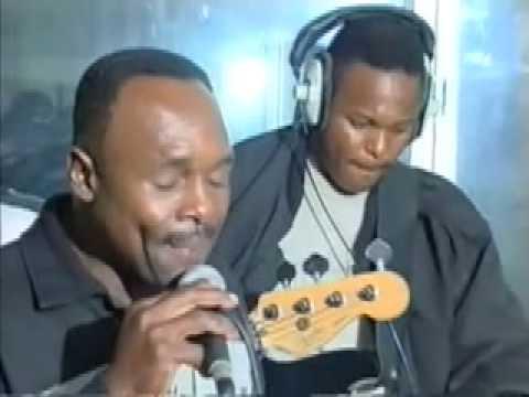Groupe MESSAGE de la GUADELOUPE live  radio média tropical 07 avril 2001