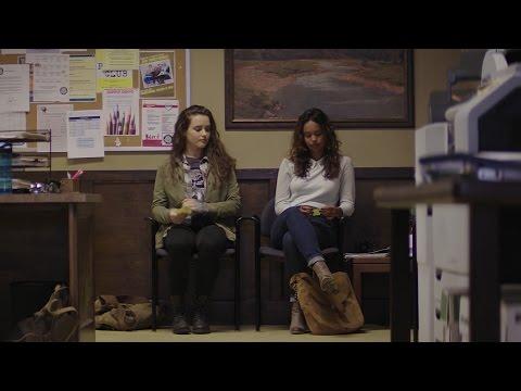 13 Reasons Why 1x02 Funny Scene ~  Hannah & Jessica