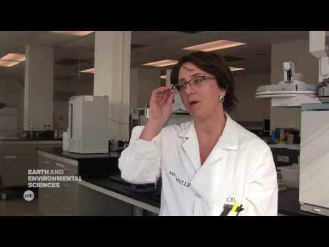 geoscience-careers-|-environmental-scientist-and-chemist---michelle-kerr