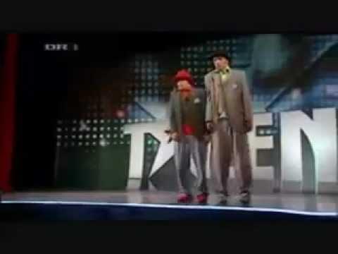 1 trong những màn nhảy robot hay nhất thế giới