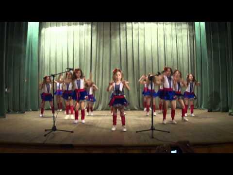 Коллектив эстрадного танца Свой стиль. Ти ж мене підманула