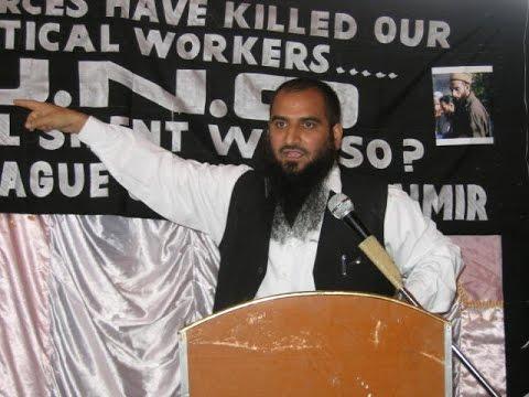 Masarat, Geelani booked for waving Pakistan flag, Rajnath speaks to J&K CM, seeks action