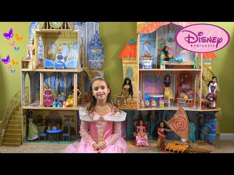 Princess Aurora Opens Magnificent Disney Princess Set: Cinderella Castle and Under the Sea Castle