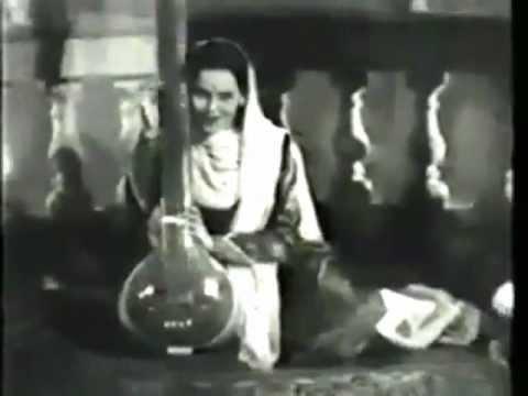 kajraari matwaari madbhari do ankhiyaan..Rajkumari-Shailendra-Roshan-naubahar 1952