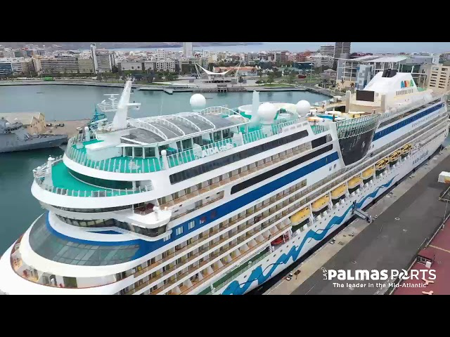 Puerto de Las Palmas. Terminal de cruceros. Repatriación de tripulantes de Aida Cruises