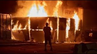#LIVE -Riots continue 3rd Precinct  Police Department ON FIRE!!