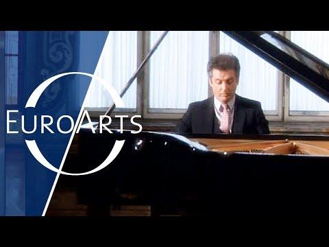 "Barenboim: Beethoven - Sonata No. 14 in C sharp minor, Op. 27 No. 2 ""Moonlight"""
