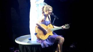 "Taylor Swift ""Good Riddance (Time Of Your Life)"" Green Day Cover Live in San Jose"