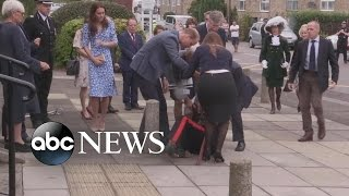 getlinkyoutube.com-Prince William Rushes to Aid Fallen Dignitary
