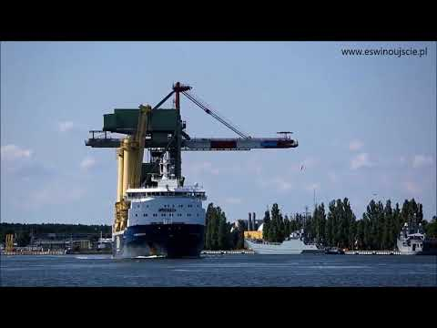 Jumbo's 'Fairmaster'  departing with the ship unloader from Szczecin, Poland to Ireland