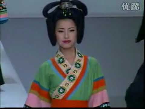 Traditional Chinese Clothings & Costumes Performance in Paris 中国传统服饰巴黎行