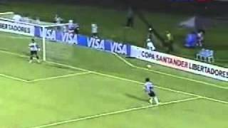 Miguel Pinto En accion ( u de chile )