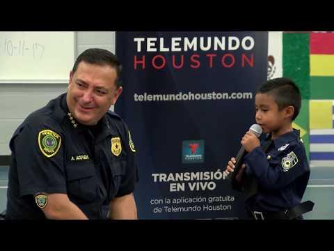 Collins Elementary celebrates Hispanic Heritage with Chief Acevedo | Houston Police Department