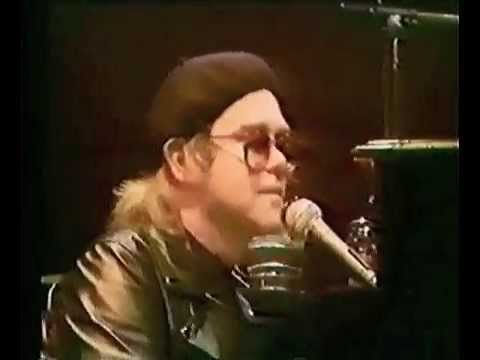 Elton John - Philadelphia Freedom (Live at Wembley Empire Pool 1977)