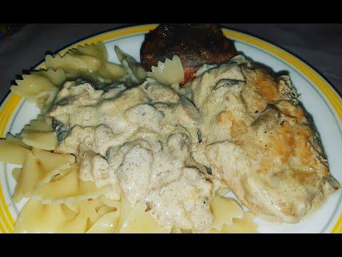 filets-de-poulet-à-la-crème,-vin-blanc-et-champignons