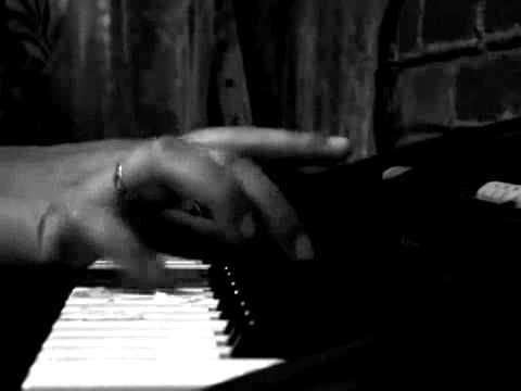 musica de miedo tan tan  (piano)