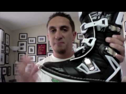 b67babcf132 Gaerne G-React MX boot - YouTube