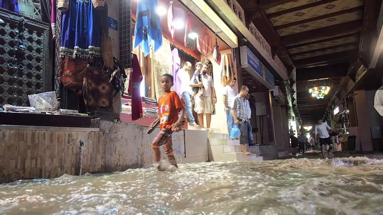 Rain at Muttrah Souq 27-12-2012