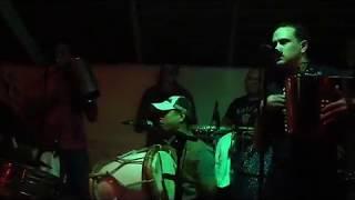 Banda Real- Muriendo De Amor(En Vivo) y hay que pena.
