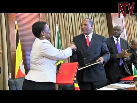 Uganda and Tanzania sign oil pipeline agreement