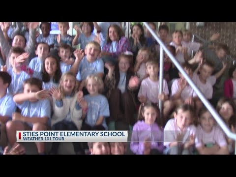Stiles Point Elementary School visits Rob Fowler at News2 2018