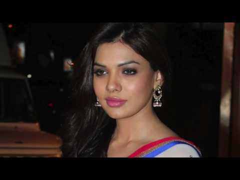 Pakistani Actress Mona Lisa Sara Loren Looks Ravishing In White Saree At The Launch Of Designer Mani