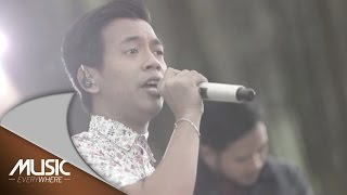 Download D'Masiv - Semakin (Live at Music Everywhere) * Mp3