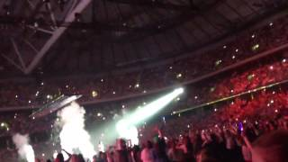 One Way Or Another {Teenage Kicks} Part 2 (TMH Tour - Stockholm Sweden)