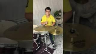 Drummer boy: mordechai Shapiro, kol haderech. Meir Kaye