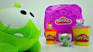 Видео для детей. Китти и Тося: лепим конфетки для Ам Няма