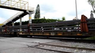 KCSM 4569 AC4400CW Jalando tren con rieles en Empalme Escobedo, Guanajuato. México NOAS_5