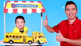 Lyndon Pretend Play at the Toy Store