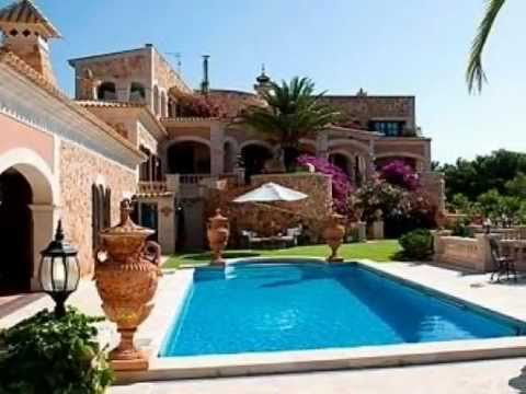 Mediterranean luxury villa at the seafront