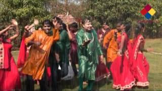 Sawan ki barse badariya Maa ki bheegi chunariya by Ishwar Advani