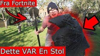 VÅBEN Fra Fortnite VS Stol! / Smadre Ting