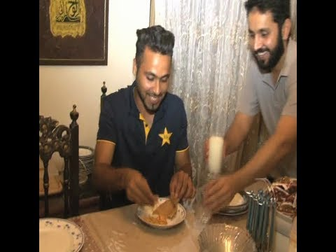 Faheem Ashraf reached his house and did sehri with the family