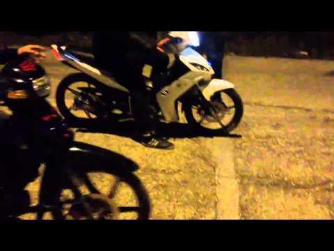 Yamaha Crypton X vs Daytona Dv (lifan  110)