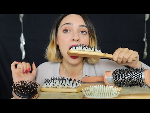 MANGIO UNA SPAZZOLA | Edible HairBrush ASMR Eating Sounds