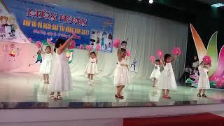 Bé Minh Nguyệt thi múa Trường MNHPTY cấp TP