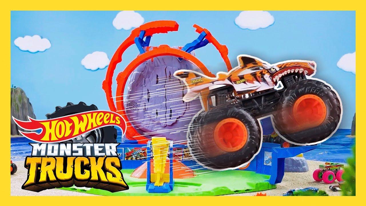The SWAMP JUNGLE'S DANGEROUS BOOBY TRAPS! 😱🌲   Monster Trucks Tournament of Titans   @Hot Wheels