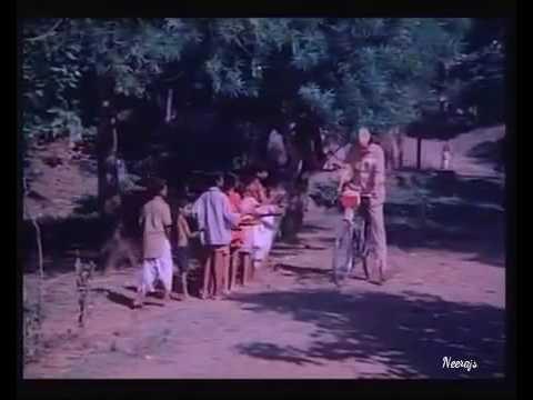 Dakiya Daak Laya - Palkon Ki Chhaon Mein(1977)