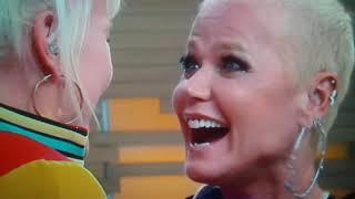 Xuxa e sua sósia holandesa na Hora do Faro