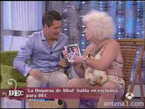 Dec La Duquesa De Alba Pillada Por Unos Paparazzi