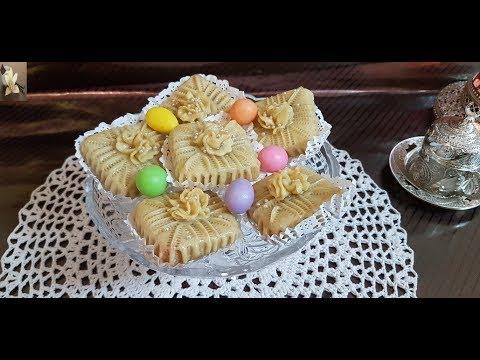 gateau-mchekla-enakache/algerian-traditional-pastry/حلويات-العيد:حلوة-مشكلة-النقاش
