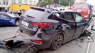 Массовое ДТП на проспекте Энгельса, 20.08.2017
