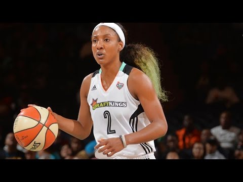 """WNBA Star Candice Wiggins Says She Was Bullied for NOT Being Gay: """"98% of Players Are Lesbians"""""""